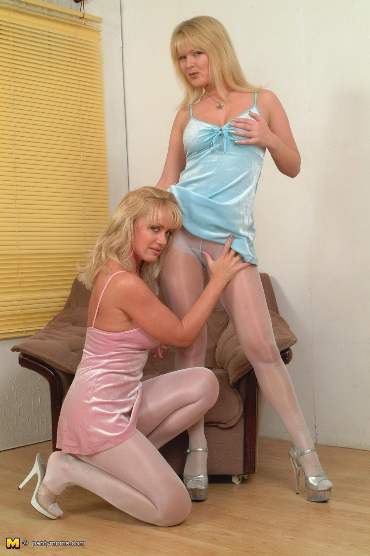 Black hose in lesbian pantie picture